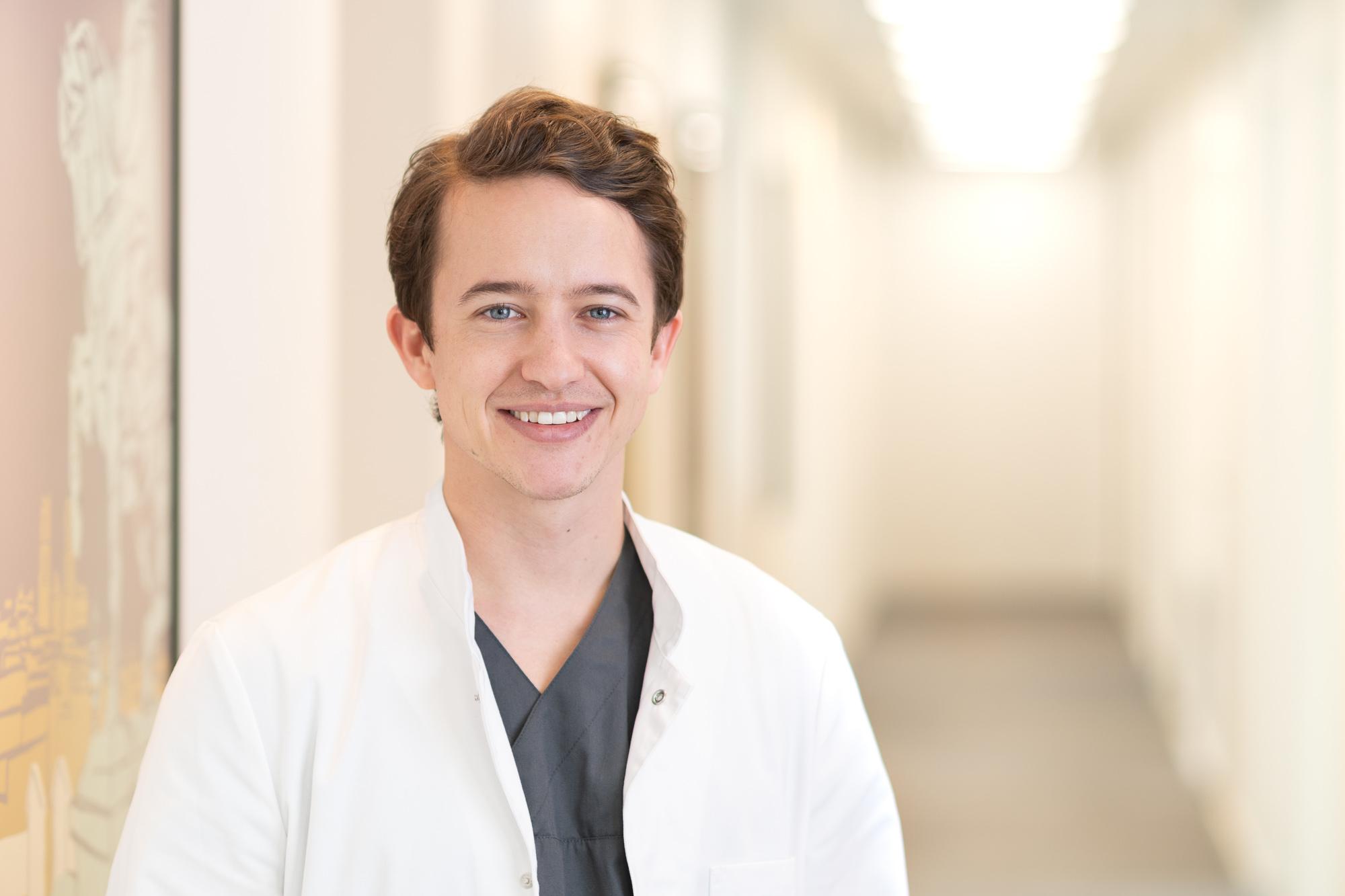 Dr. med. Joel Baur